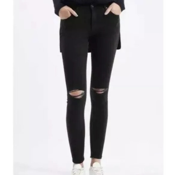 Topshop Denim - TOPSHOP Moto Leigh 30 High Rise Busted Knee Jeans